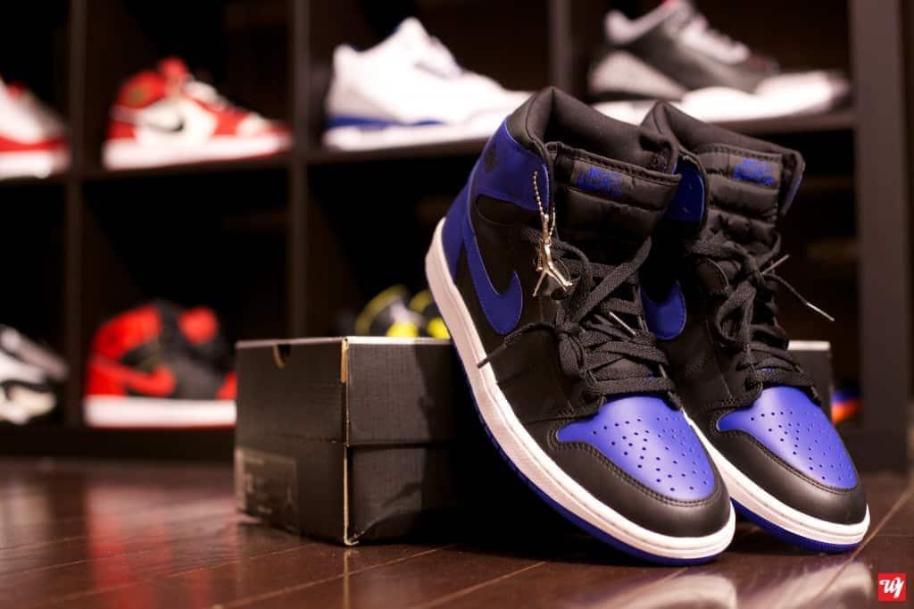 2001 Air Jordan 1 Retro Black/Royal Blue photography Ward 1 Design Ward 1 Shoes