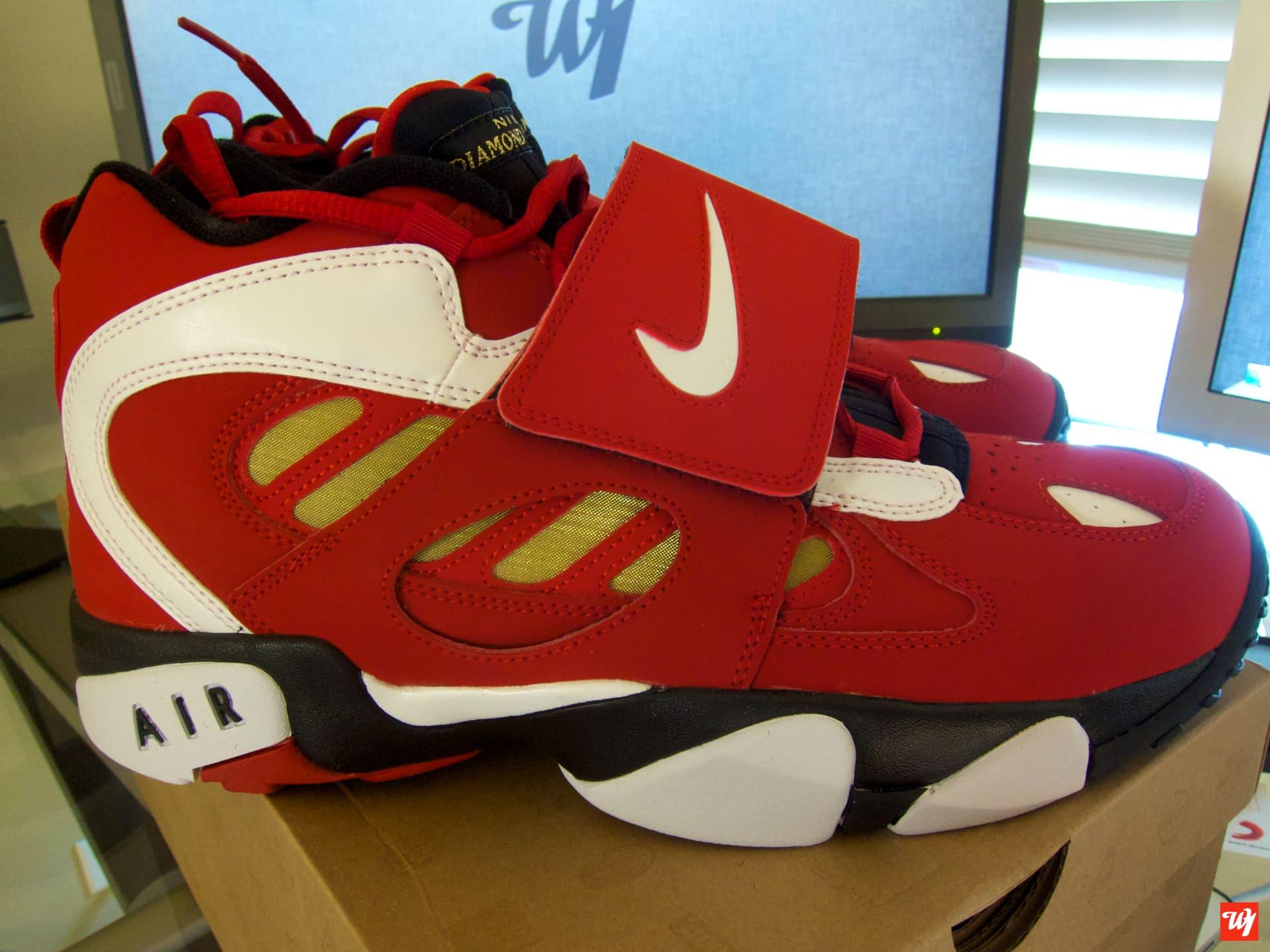 separation shoes 2b5b2 05117 nike air diamond turf 2 varsity red